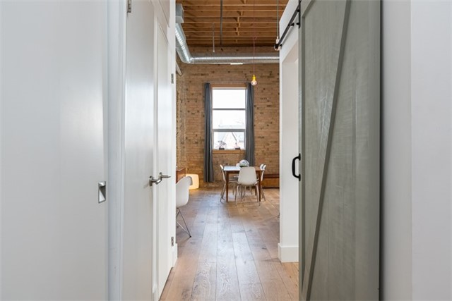 Photo 11: 27 Brock Ave Unit #209 in Toronto: Roncesvalles Condo for sale (Toronto W01)  : MLS® # W3722711