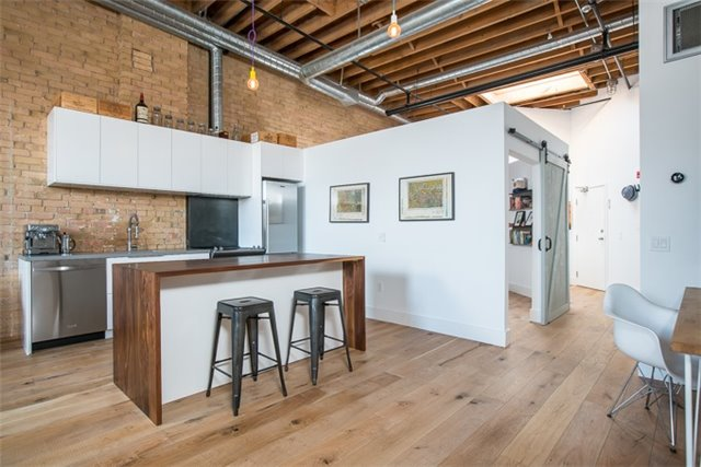 Photo 6: 27 Brock Ave Unit #209 in Toronto: Roncesvalles Condo for sale (Toronto W01)  : MLS® # W3722711