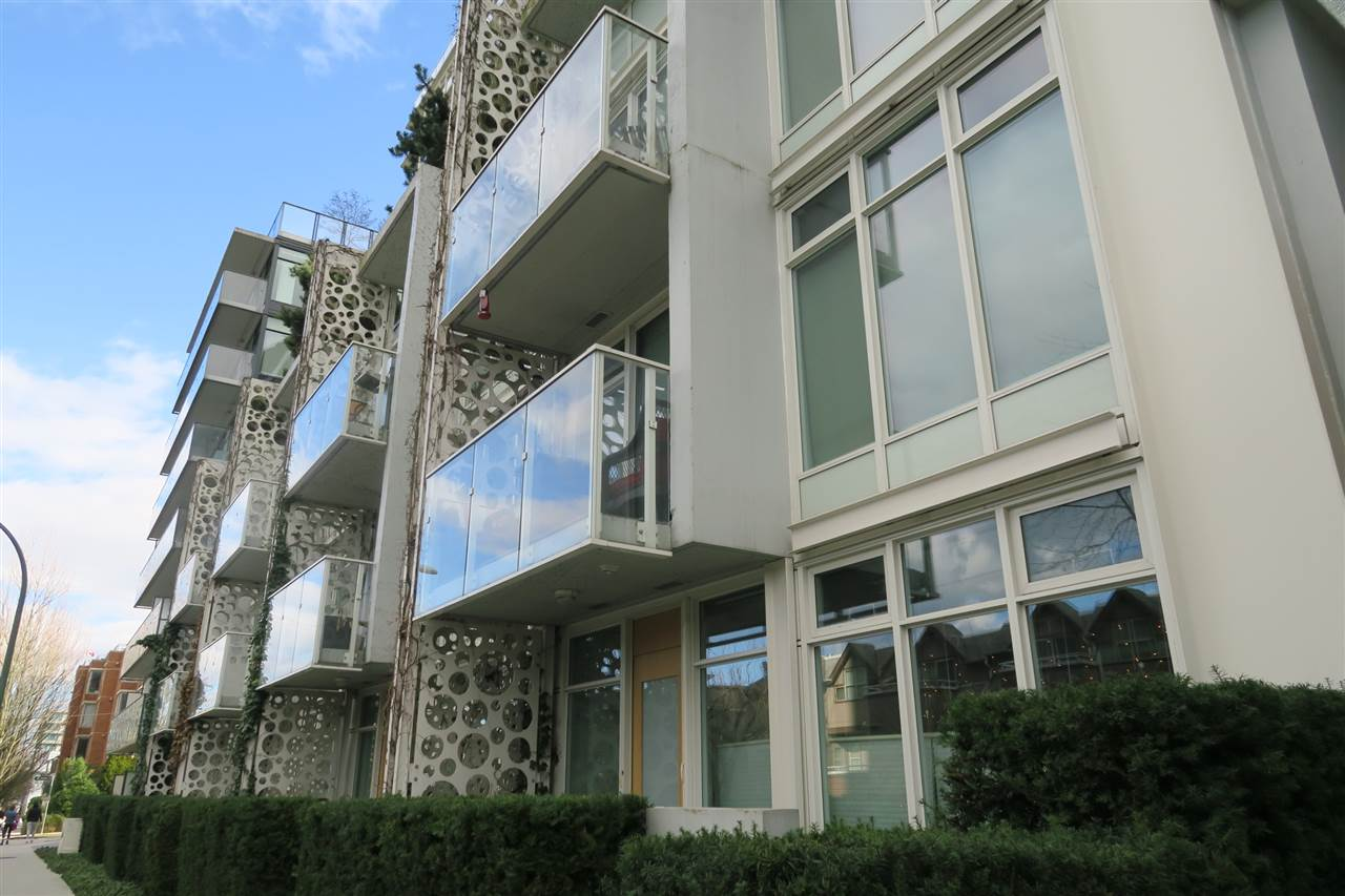FEATURED LISTING: 305 728 8TH Avenue West Vancouver
