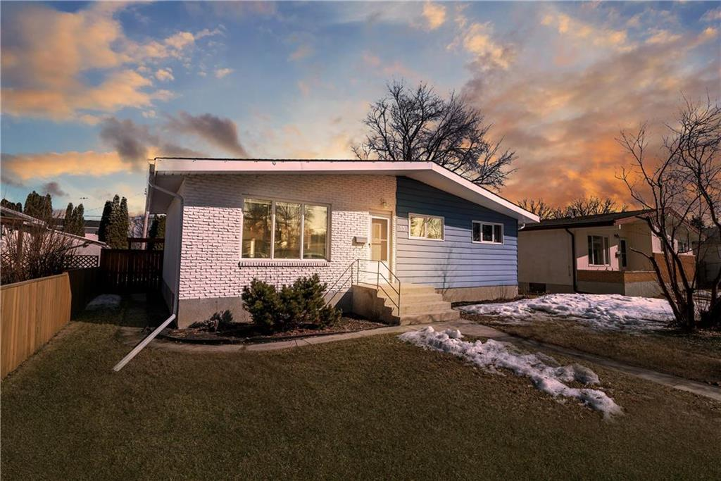 FEATURED LISTING: 53 Sansome Avenue Winnipeg