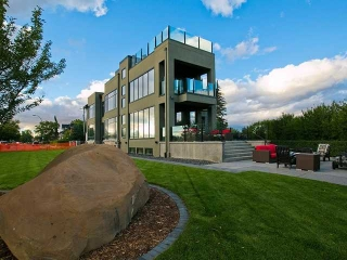 Main Photo: 102 Crescent Road NW in CALGARY: Crescent Heights Residential Detached Single Family for sale (Calgary)  : MLS® # C3542586