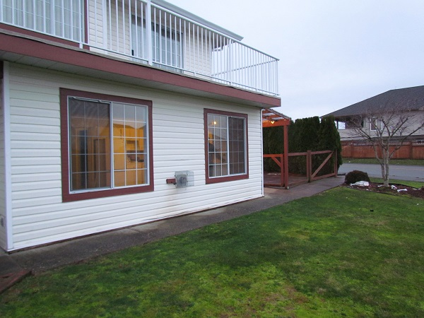 Main Photo: BSMT 3214 Firhill Drive in Abbotsford: Abbotsford West Condo for rent