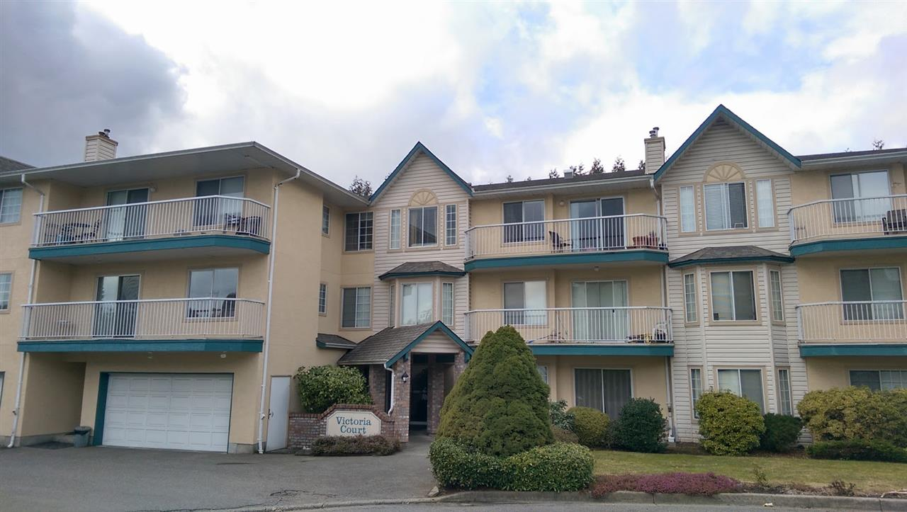 Main Photo: 204 2567 VICTORIA STREET in Abbotsford: Abbotsford West Condo for sale : MLS®# R2140992