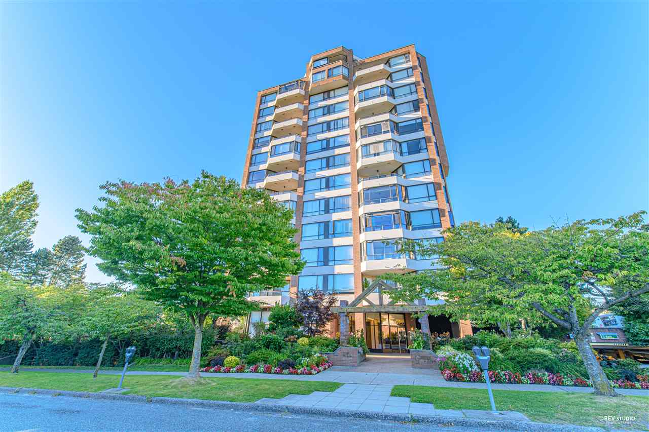 FEATURED LISTING: 404 - 2189 42ND Avenue West Vancouver