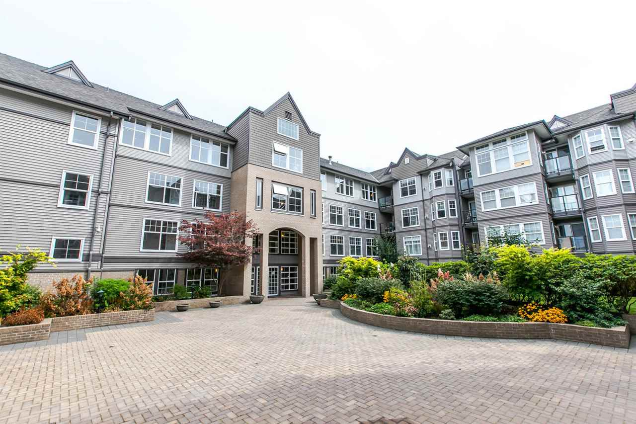 Main Photo: 121 20202 56 Avenue in Langley: Langley City Condo for sale : MLS®# R2215957