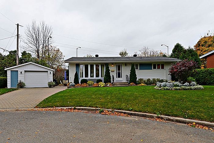 FEATURED LISTING: 2246 Rembrandt Rd Ottawa