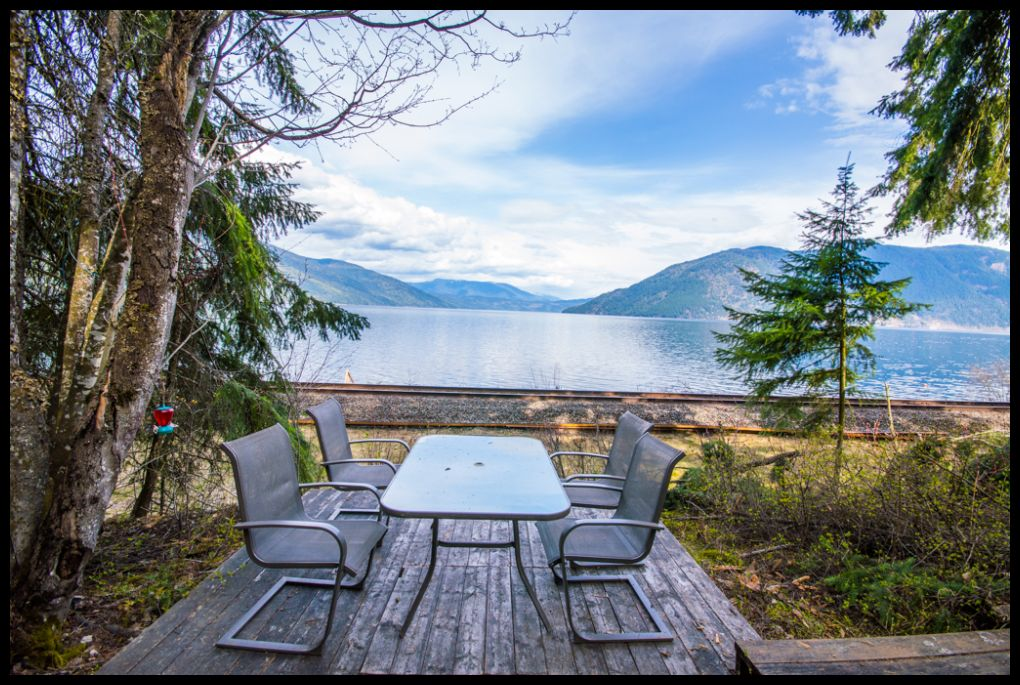Main Photo: 424 Old Sicamous Road: Sicamous House for sale (Revelstoke/Shuswap)  : MLS® # 10082168
