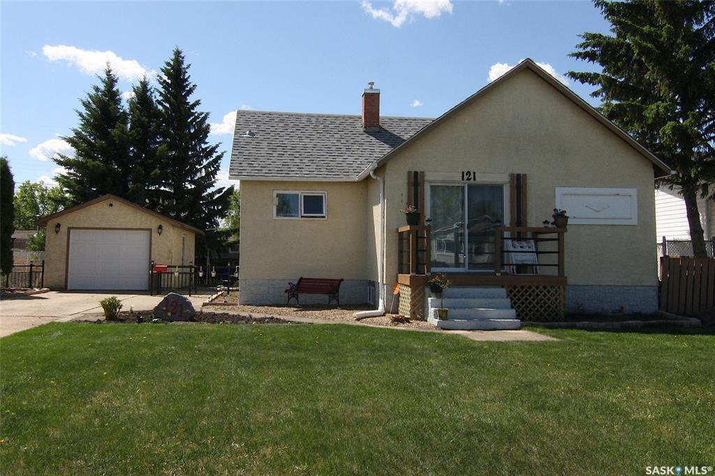 FEATURED LISTING: 121 21st Street Battleford
