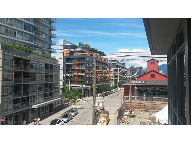 Main Photo: # 1404 89 W 2ND AV in Vancouver: False Creek Condo for sale (Vancouver West)  : MLS®# V1129898