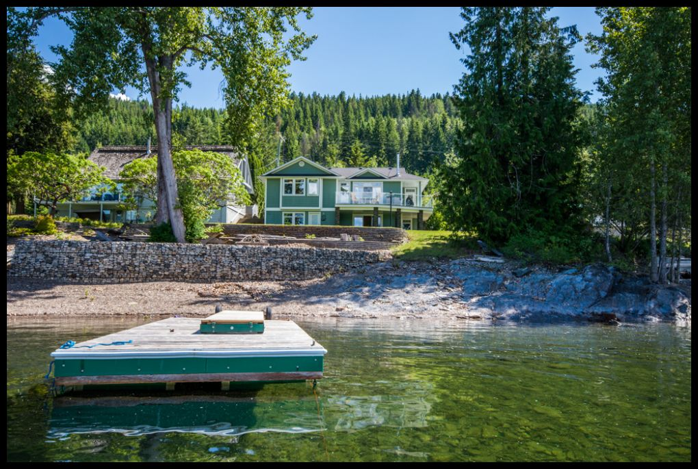 Main Photo: 3513 Eagle Bay Road in Eagle Bay: Waterfront House for sale : MLS®# 10100248