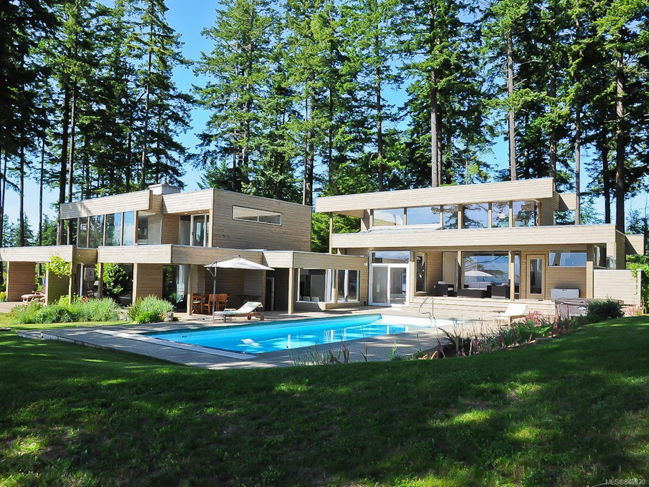 FEATURED LISTING: 1156 Moore Rd COMOX