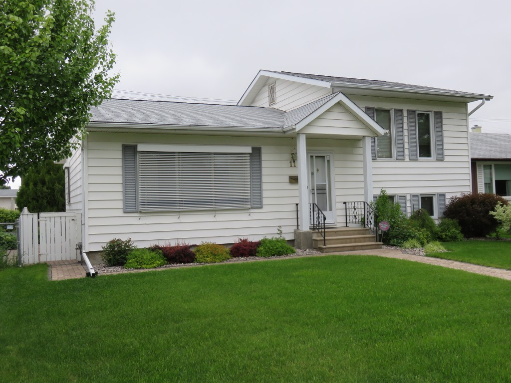 11 Kirby Drive In Winnipeg Single Family Detached For