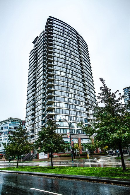 Main Photo: 506 110 BREW STREET in Port Moody: Port Moody Centre Condo for sale : MLS® # R2117096