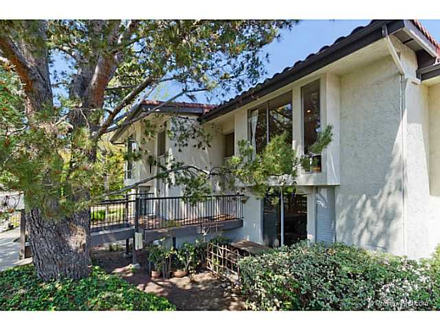 Main Photo: LA COSTA Townhome for sale : 2 bedrooms : 2400 Altisma Way #B in Carlsbad