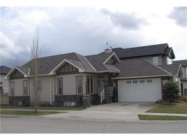 FEATURED LISTING: 48 CIMARRON Trail OKOTOKS
