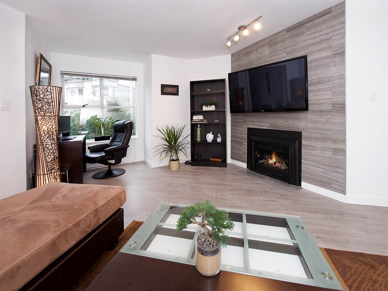 Photo 5: 207 1465 COMOX STREET in Vancouver: West End VW Condo for sale (Vancouver West)  : MLS(r) # R2024122