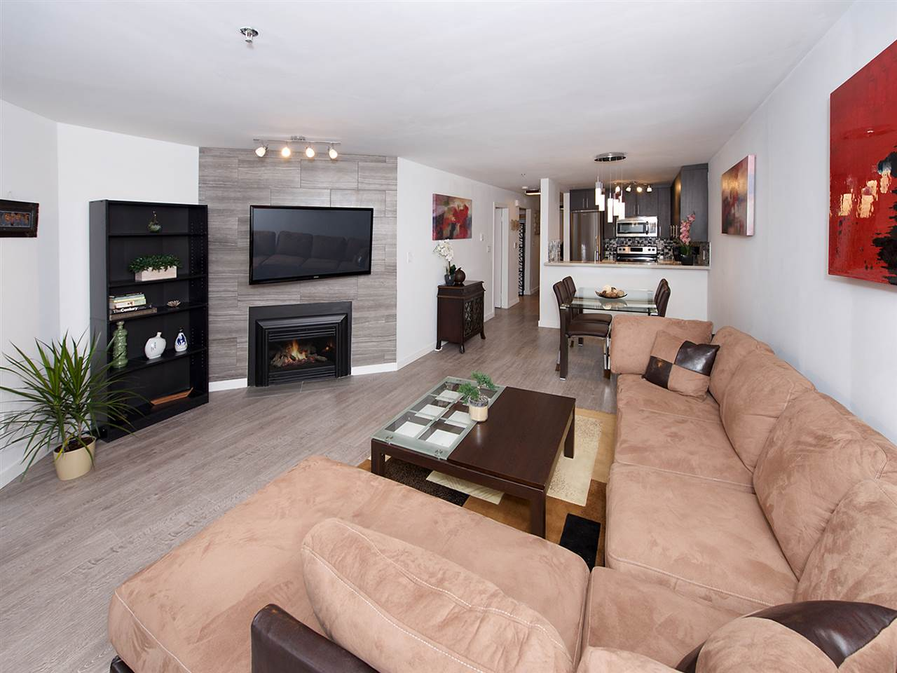 Photo 3: 207 1465 COMOX STREET in Vancouver: West End VW Condo for sale (Vancouver West)  : MLS(r) # R2024122