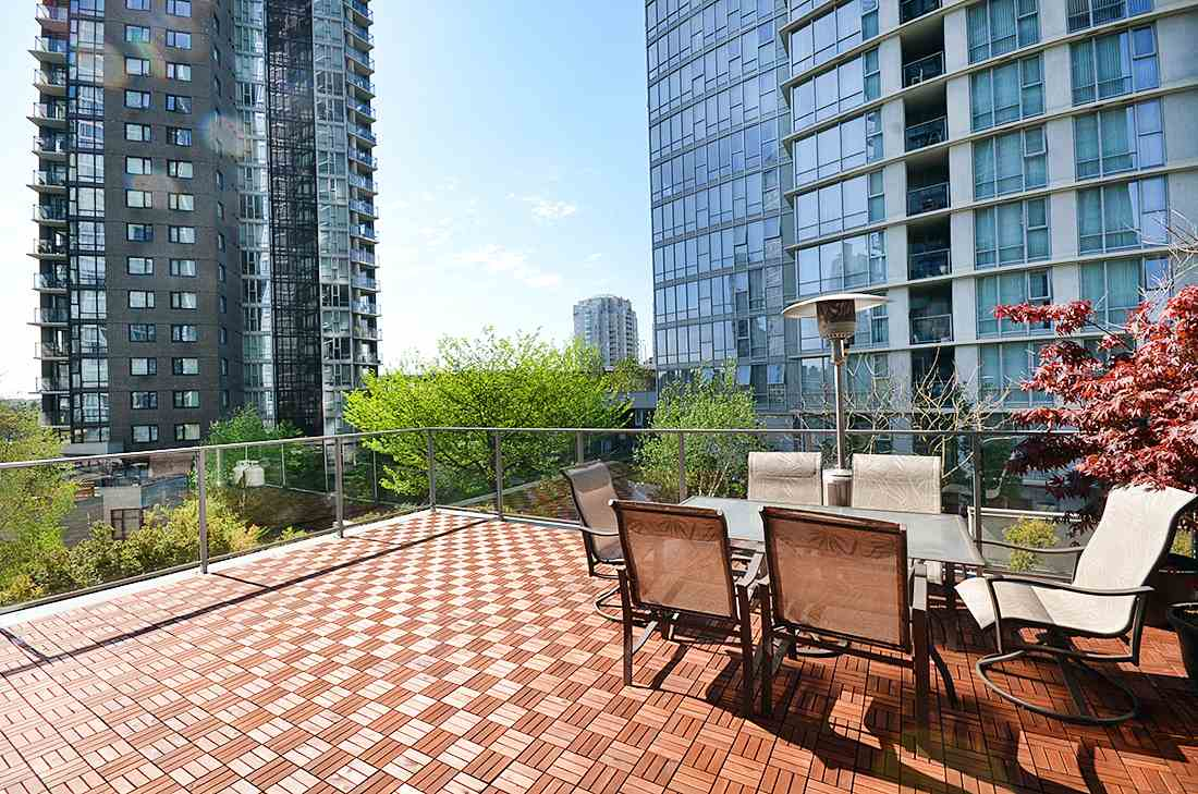 FEATURED LISTING: 501 1495 RICHARDS Street Vancouver