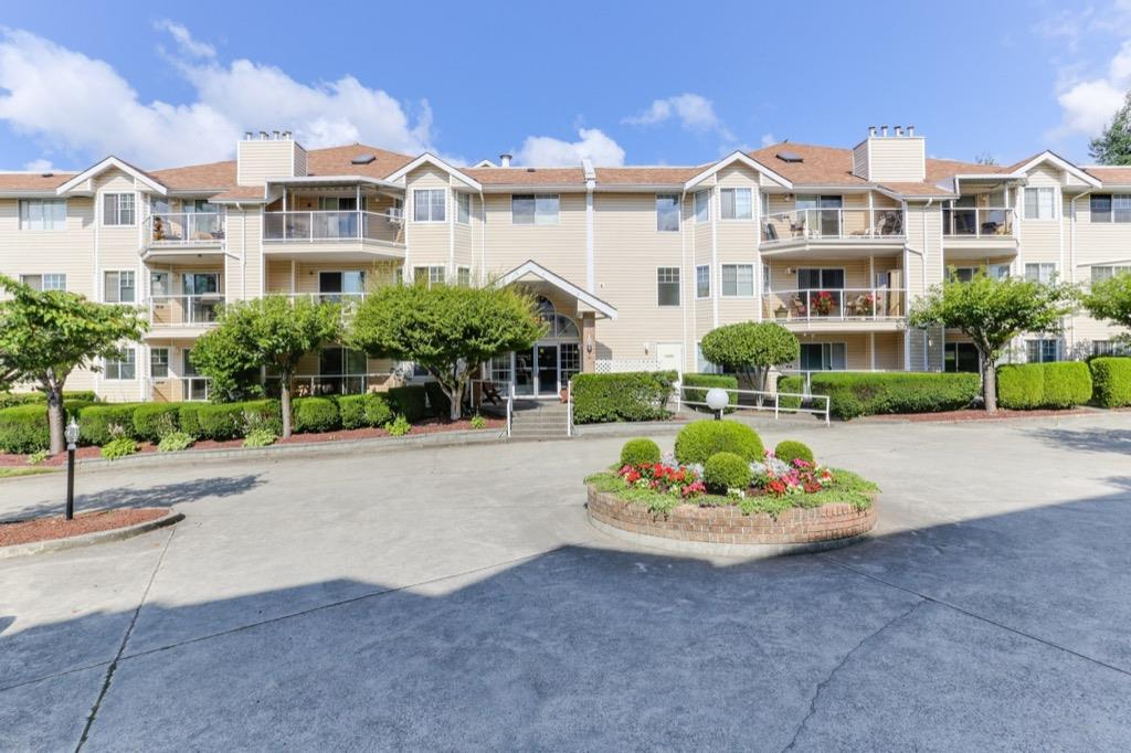 FEATURED LISTING: 126 - 22611 116 Avenue Maple Ridge