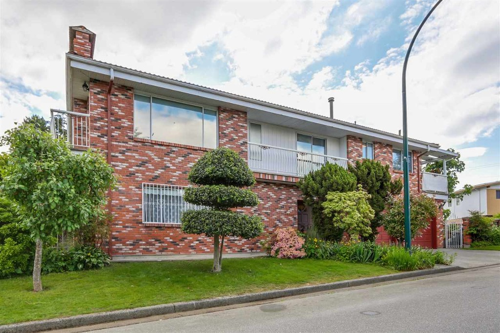 Main Photo: 4630 Baldwin Street in vancouver: Victoria VE House for sale (Vancouver East)  : MLS®# r2072918