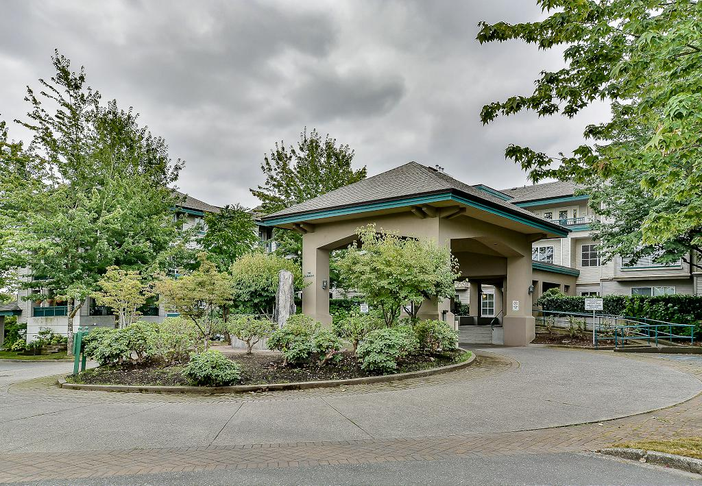 Main Photo: 19528 Fraser Highway in Surrey: Cloverdale Condo for sale : MLS®# R2098502