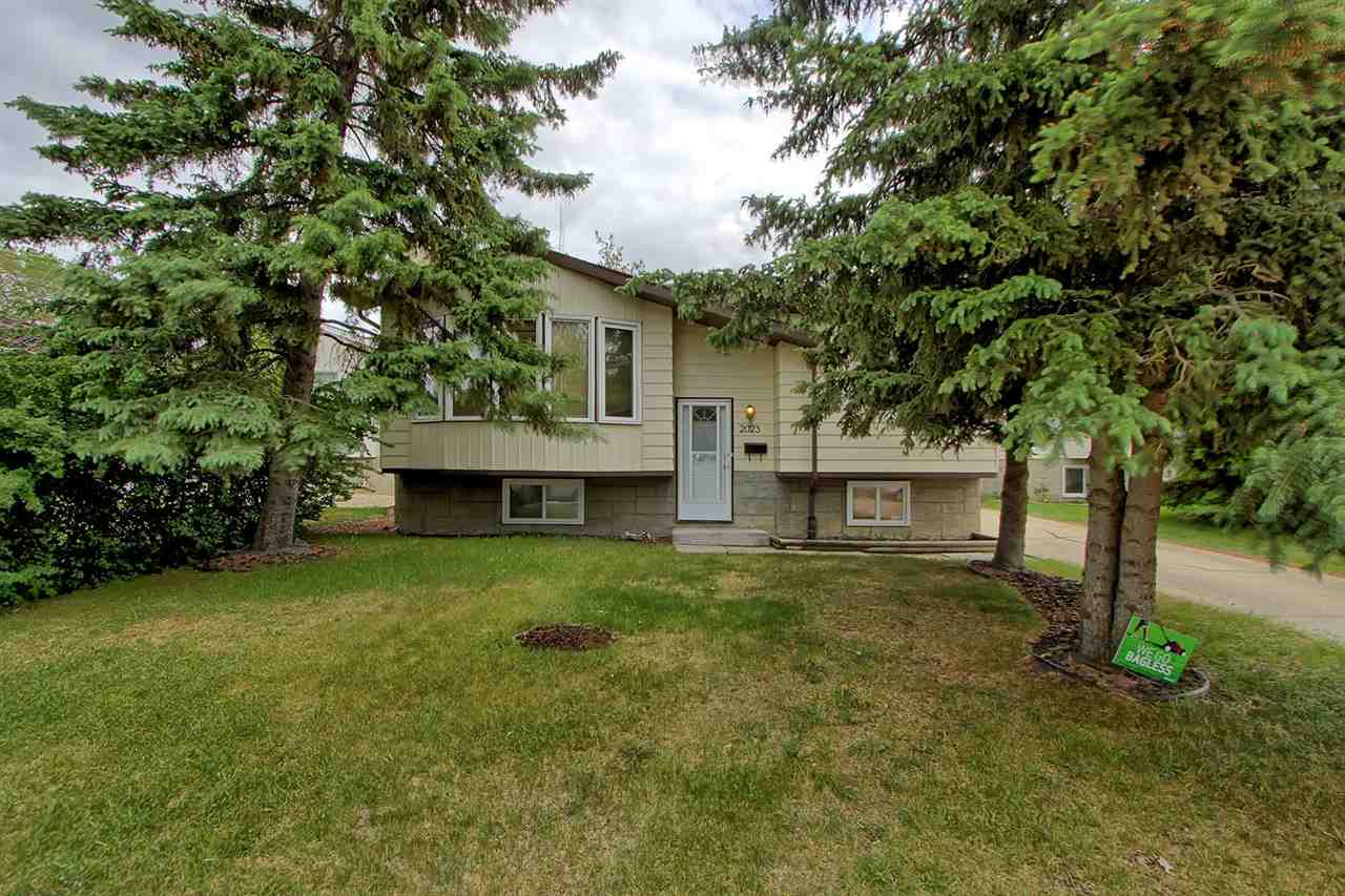 Main Photo: 2023 45 ST NW in Edmonton: Zone 29 House for sale : MLS®# E4114021