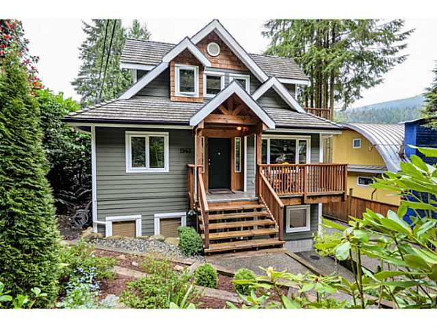 Main Photo: 1943 ROCKCLIFF RD in North Vancouver: Deep Cove House for sale : MLS(r) # V1059830
