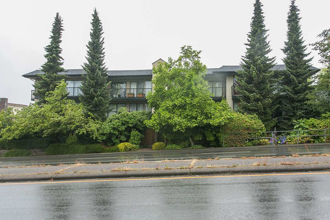 Photo 9: 208 2545 LONSDALE AVENUE in North Vancouver: Upper Lonsdale Condo for sale : MLS(r) # R2084963