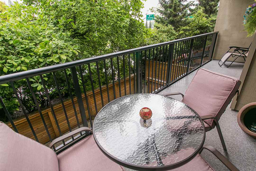 Photo 7: 208 2545 LONSDALE AVENUE in North Vancouver: Upper Lonsdale Condo for sale : MLS(r) # R2084963