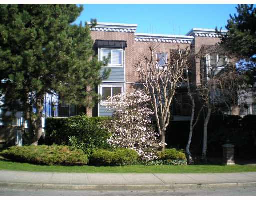 FEATURED LISTING: 203 - 2239 1ST Avenue West Vancouver