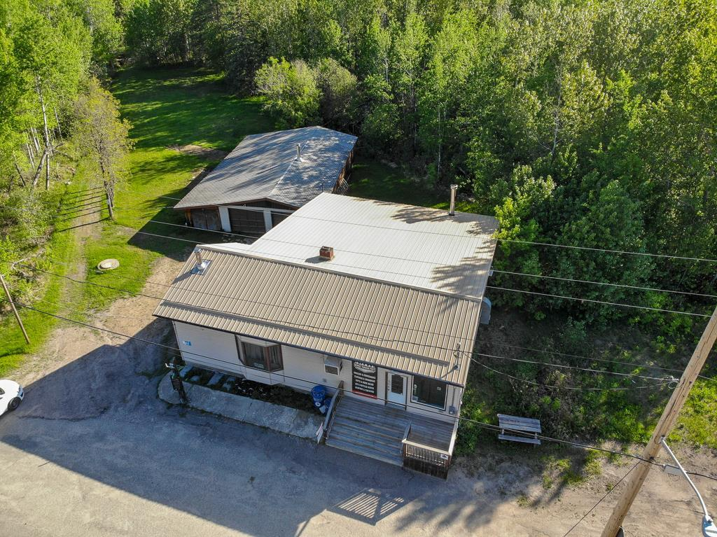 FEATURED LISTING: 83081 Hwy 44 Road Rennie