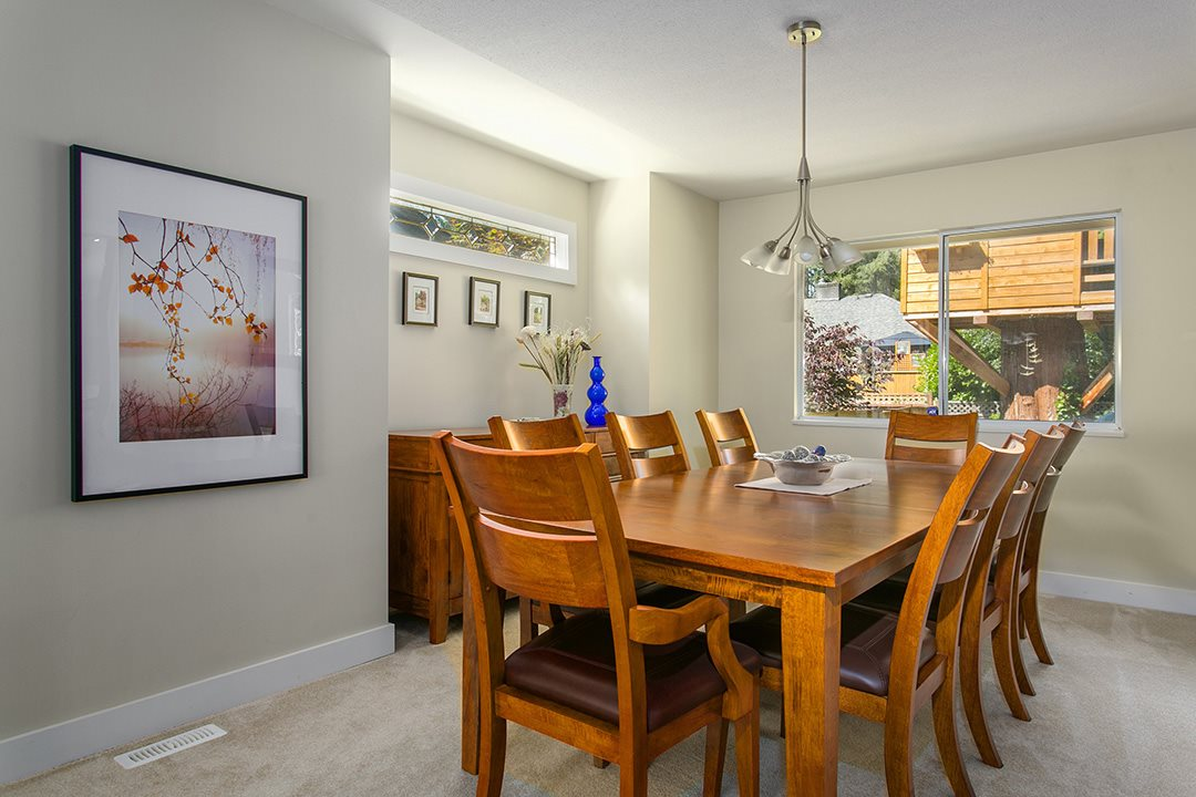 Photo 5: 3383 ROBINSON ROAD in North Vancouver: Lynn Valley House for sale : MLS(r) # R2096046
