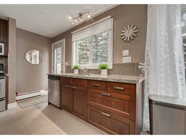 Photo 5: 702 3130 66 Avenue SW in CALGARY: Lakeview Townhouse for sale (Calgary)  : MLS® # C3554805