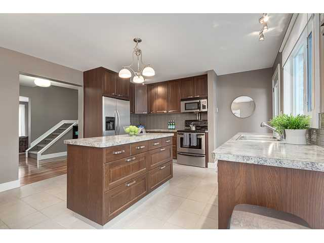 Photo 6: 702 3130 66 Avenue SW in CALGARY: Lakeview Townhouse for sale (Calgary)  : MLS® # C3554805
