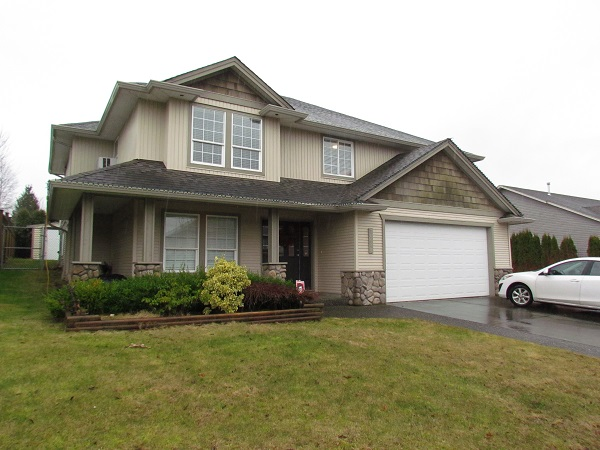 Main Photo: 30644 Steelhead Court in Abbotsford: House for rent