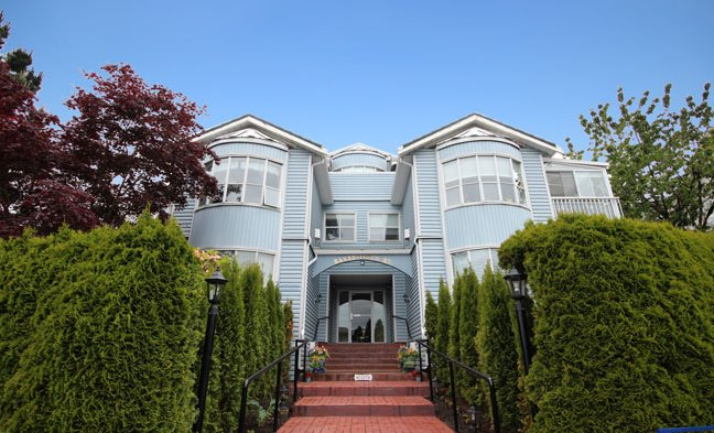 "Main Photo: 202 1467 BEST Street: White Rock Condo for sale in ""BAKERVIEW COURT"" (South Surrey White Rock)  : MLS®# F1313192"