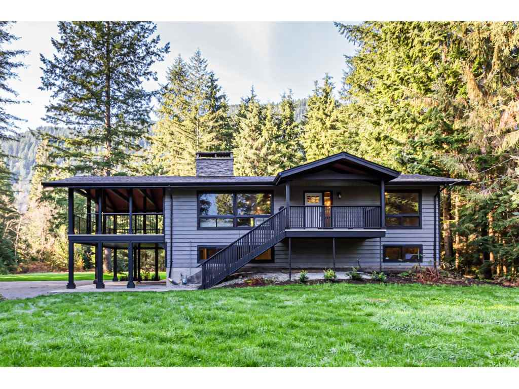 FEATURED LISTING: 12807 STAVE LAKE Road Mission
