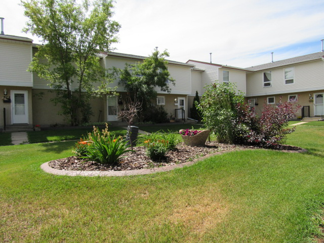 FEATURED LISTING: 22 9310 Morinville Drive Morinville