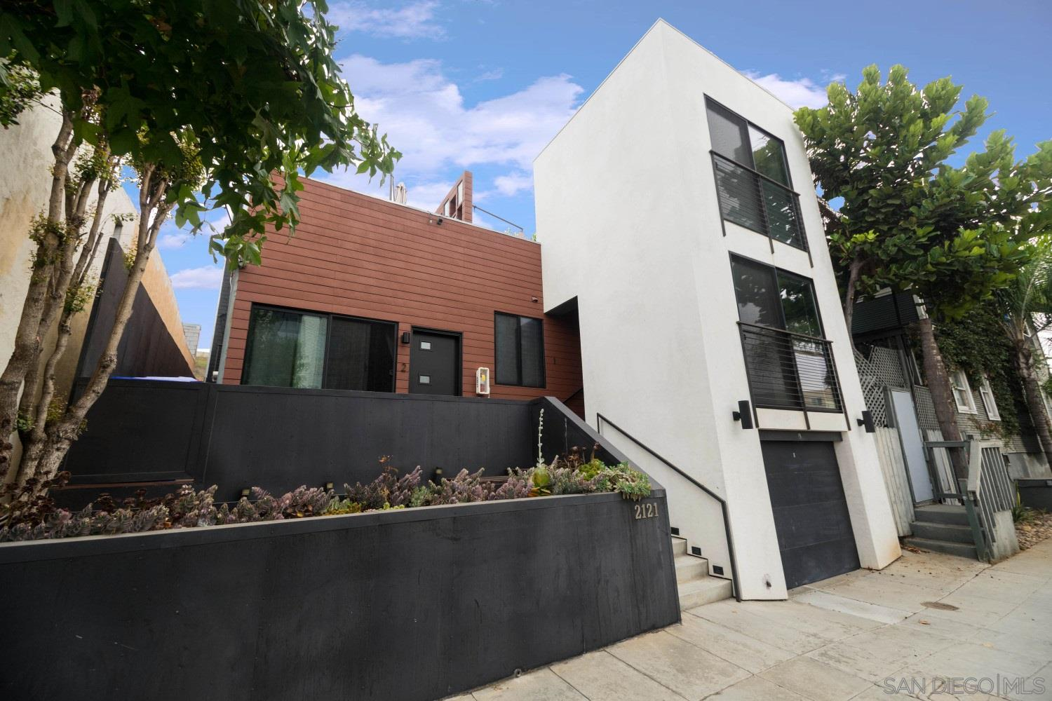 FEATURED LISTING: 2121 Columbia St San Diego