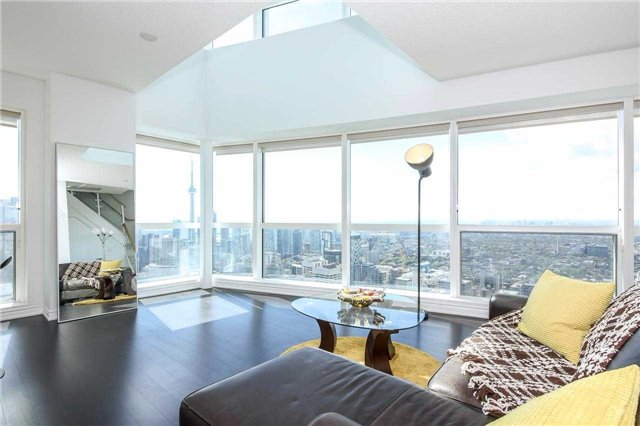 Photo 15: 386 Yonge St Unit #5711 in Toronto: Bay Street Corridor Condo for sale (Toronto C01)  : MLS® # C3611063