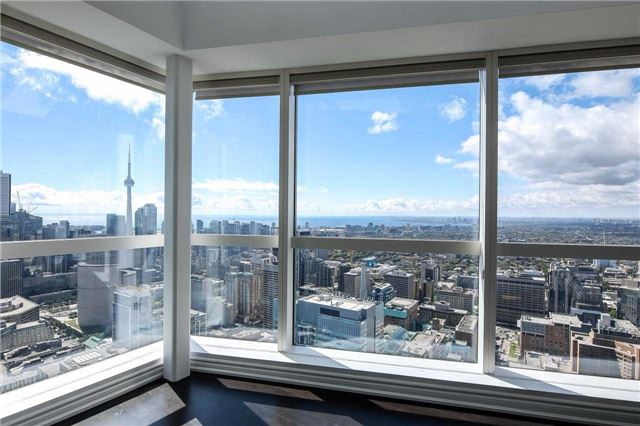 Photo 8: 386 Yonge St Unit #5711 in Toronto: Bay Street Corridor Condo for sale (Toronto C01)  : MLS® # C3611063