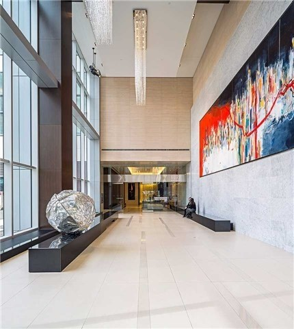 Photo 11: 386 Yonge St Unit #5711 in Toronto: Bay Street Corridor Condo for sale (Toronto C01)  : MLS® # C3611063