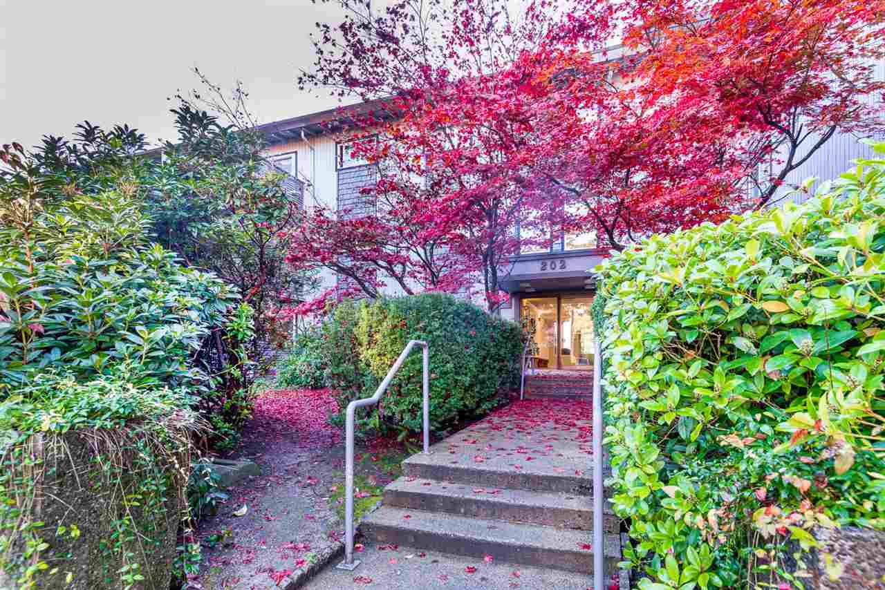 Main Photo: 232 202 WESTHILL PLACE in Port Moody: College Park PM Condo  : MLS®# R2014291