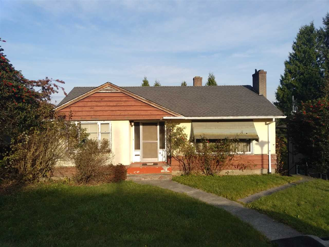 FEATURED LISTING: 823 SURREY Street New Westminster