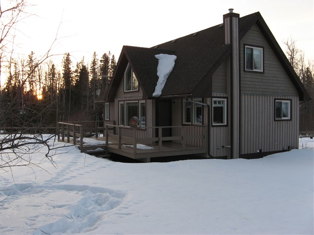 Main Photo: 14557 RED CREEK Road in Fort St. John: Fort St. John - Rural W 100th House for sale (Fort St. John (Zone 60))  : MLS® # N225851