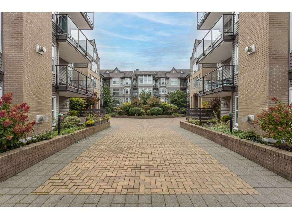FEATURED LISTING: 405 - 20200 56 Avenue Langley