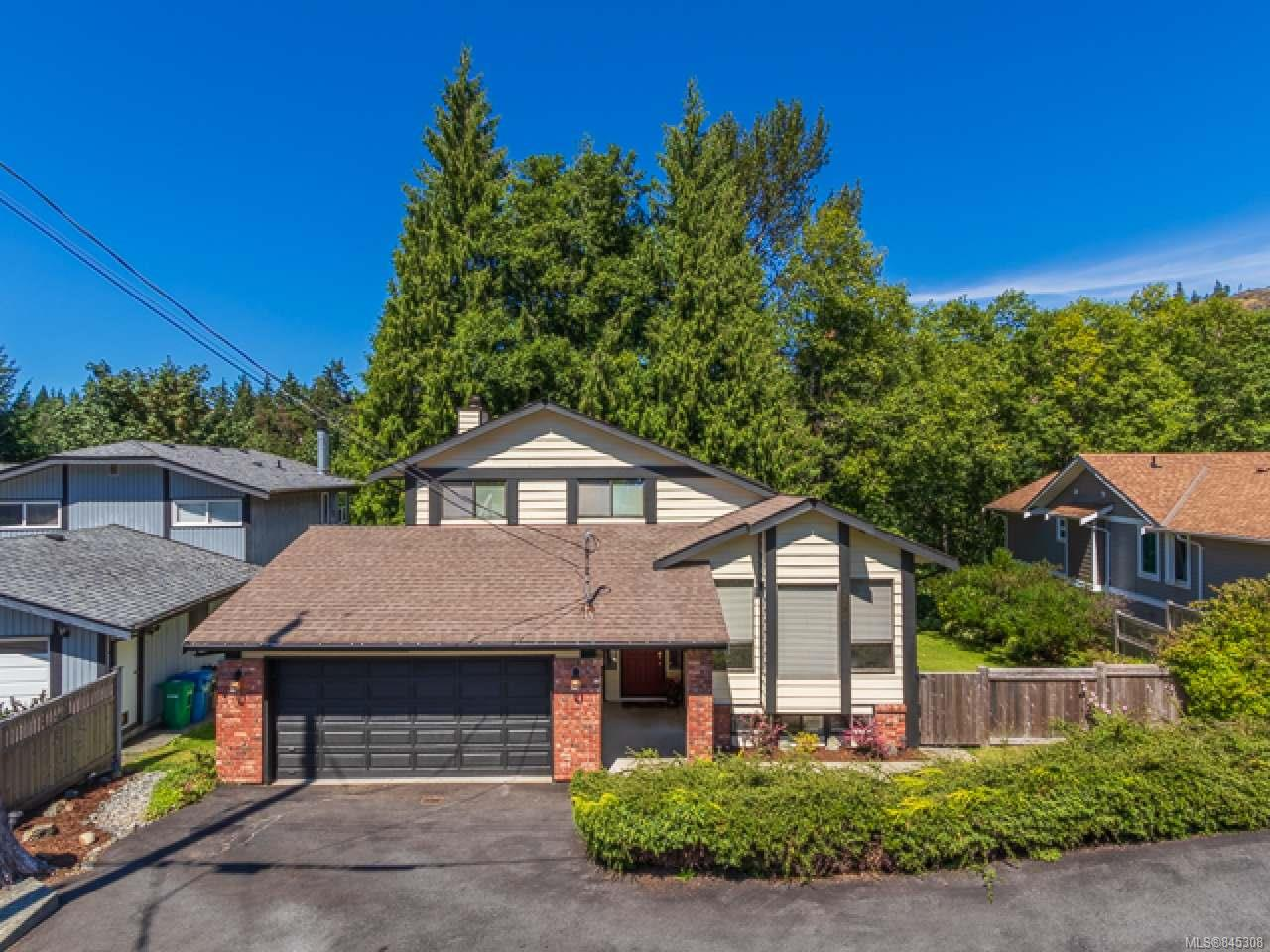 FEATURED LISTING: 3581 Fairview Dr NANAIMO