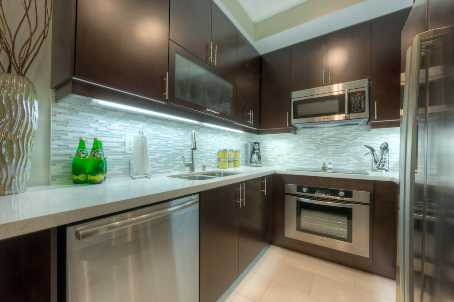 Photo 5: 35 Balmuto St Unit #1207 in Toronto: Bay Street Corridor Condo for lease (Toronto C01)  : MLS® # C2733667