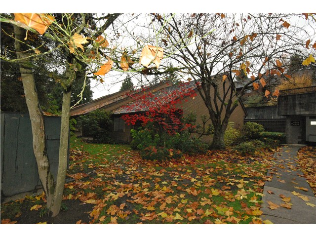 FEATURED LISTING: 4304 GARDEN GROVE Drive Burnaby