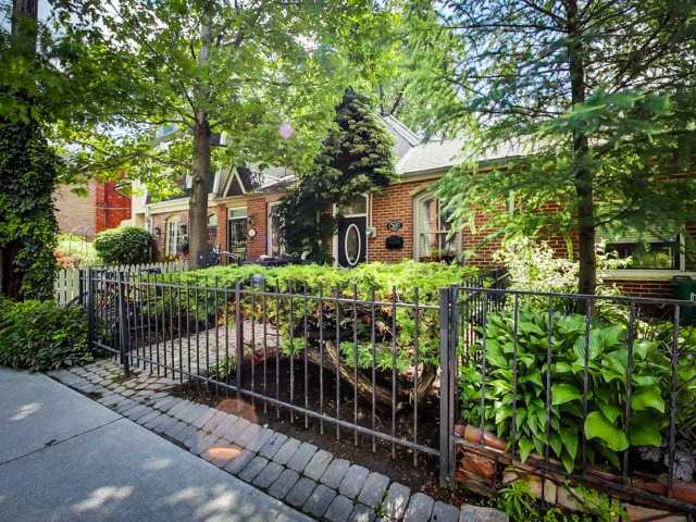 Main Photo: 319 Wellesley St E in Toronto: Cabbagetown-South St. James Town Freehold for sale (Toronto C08)  : MLS® # C3237318